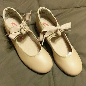 NIB Girls tap shoes